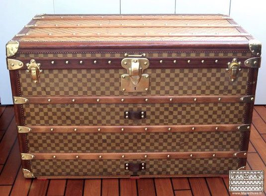 Mail trunk Louis Vuitton - Tropical checkerboard     Year: around 1895
