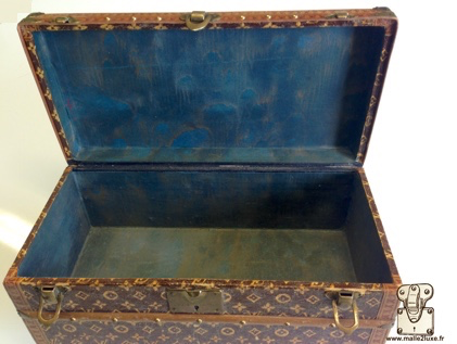 Louis Vuitton flower trunk in paper