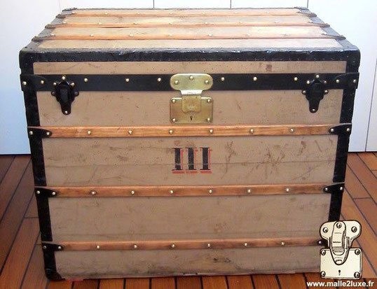 Louis Vuitton Courier Trunk - Trianon  1872