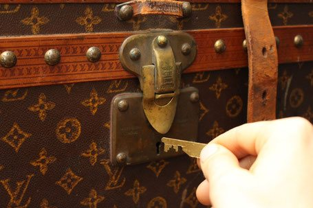 make a key vuitton trunk