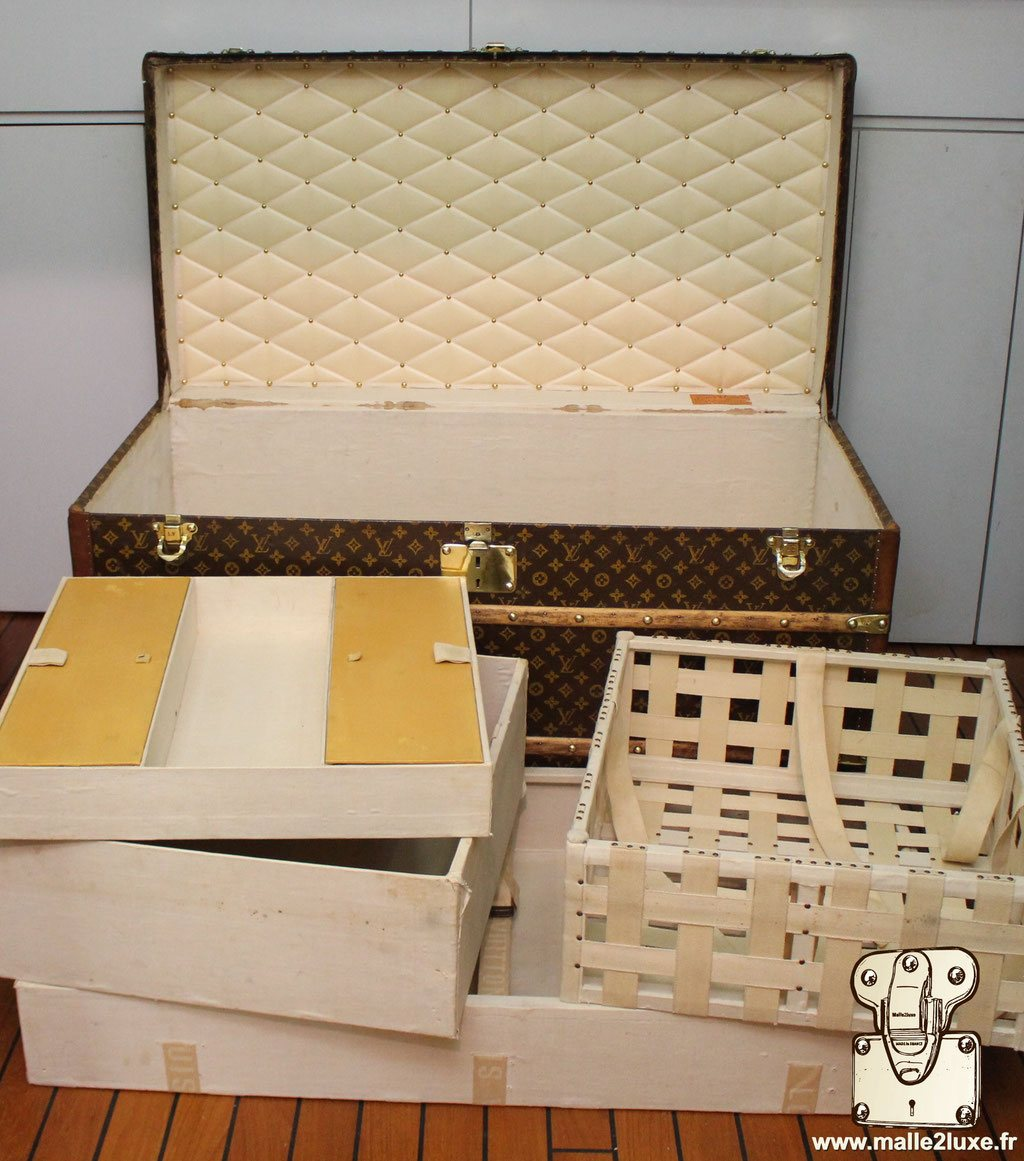 Louis Vuitton exceptional trunk inside