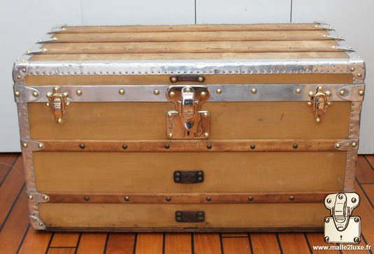 Louis Vuitton Courrier Trunk aluminum