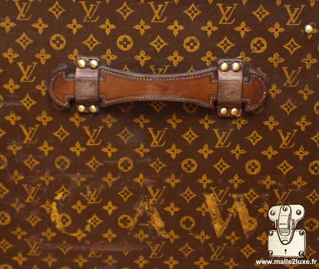 Louis Vuitton exceptional trunk leather