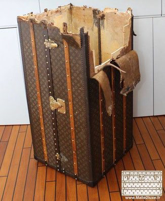 The condition of the luggage Louis Vuitton trunks