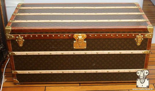 Louis Vuitton Mail Trunk - LV     Year: 1938