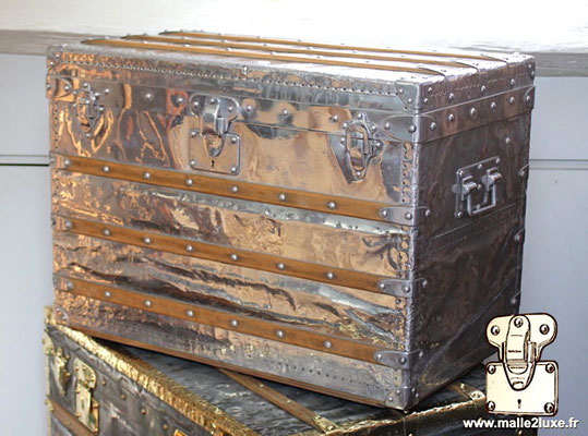 fantastique trunk louis vuitton aluminum