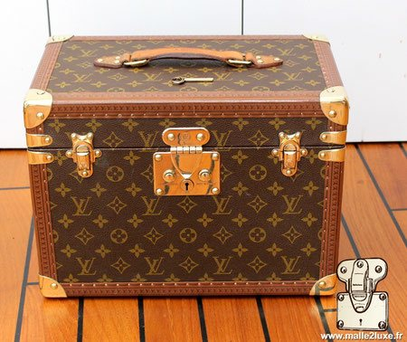 Louis Vuitton toiletry case vanity M21826