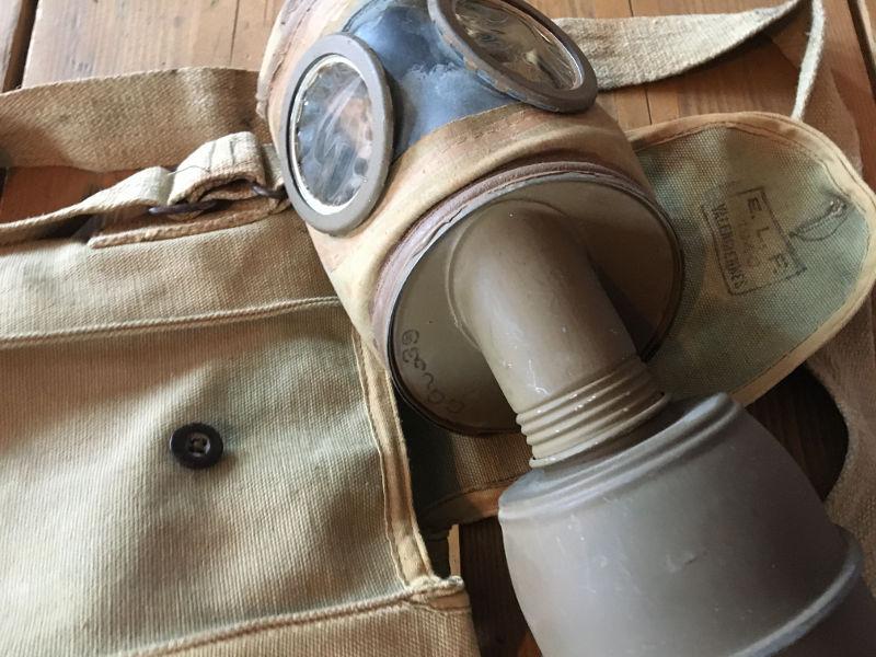 """Les masques à gaz """"défense passive"""" 1935-1945"""