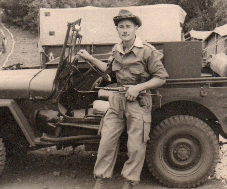 La tenue toutes armes modèle 1947 de l'armée française