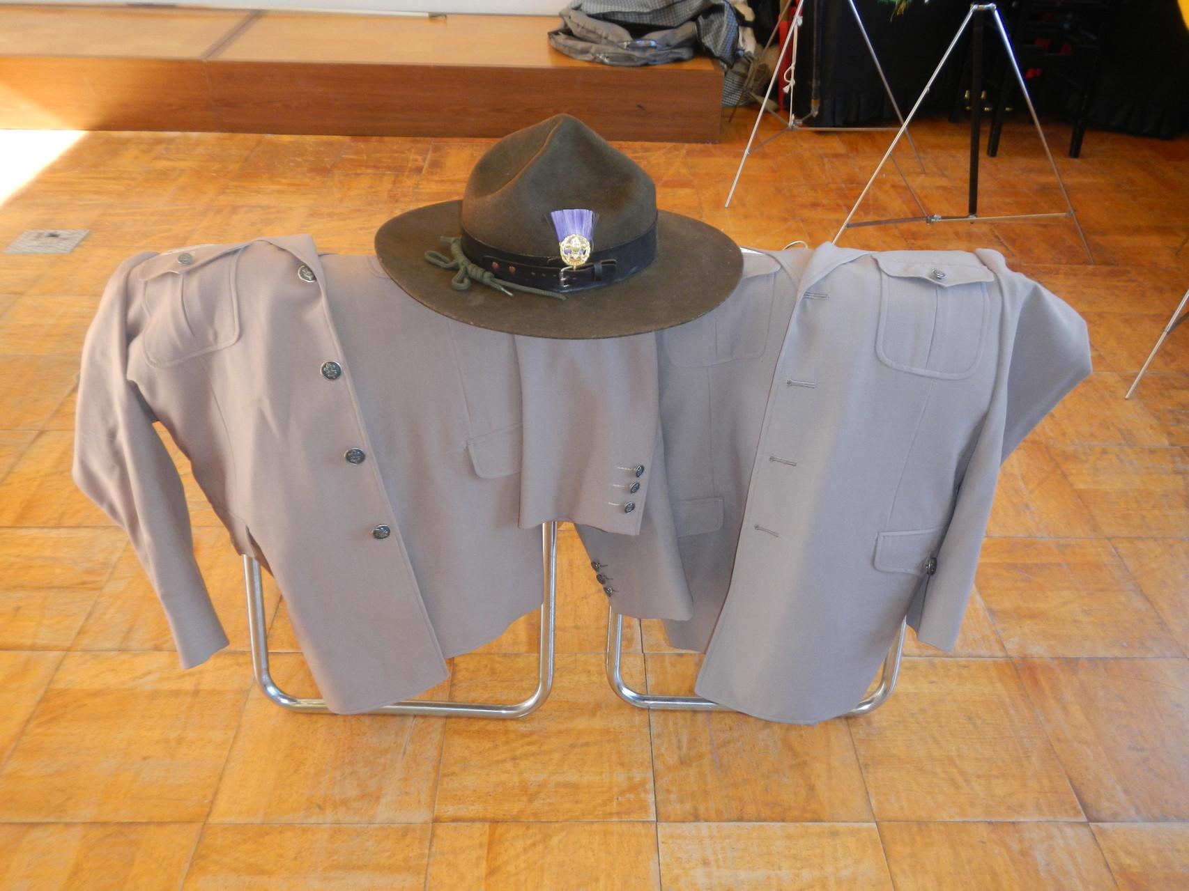 制服とハット