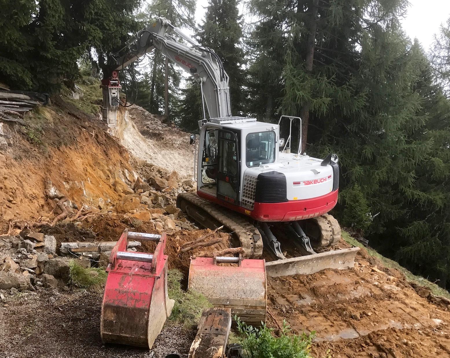 Fels Schremmarbeiten beim Wegbau TB1140 mit Huppi 903 ein starkes Team!