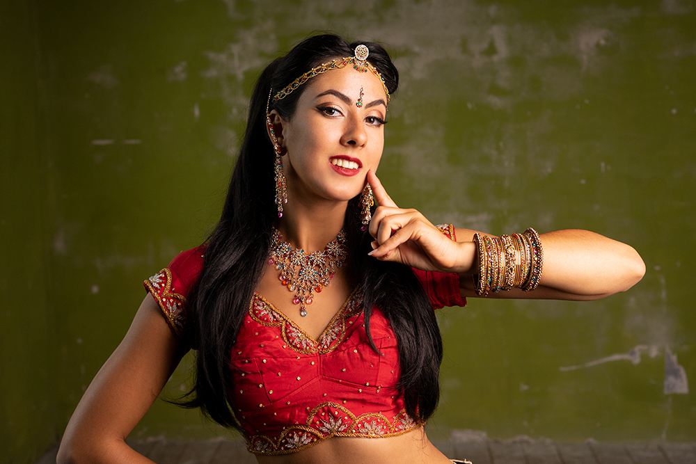 Dancer Imane SF, Bollydance Pari Productions by Tatjana Wegner
