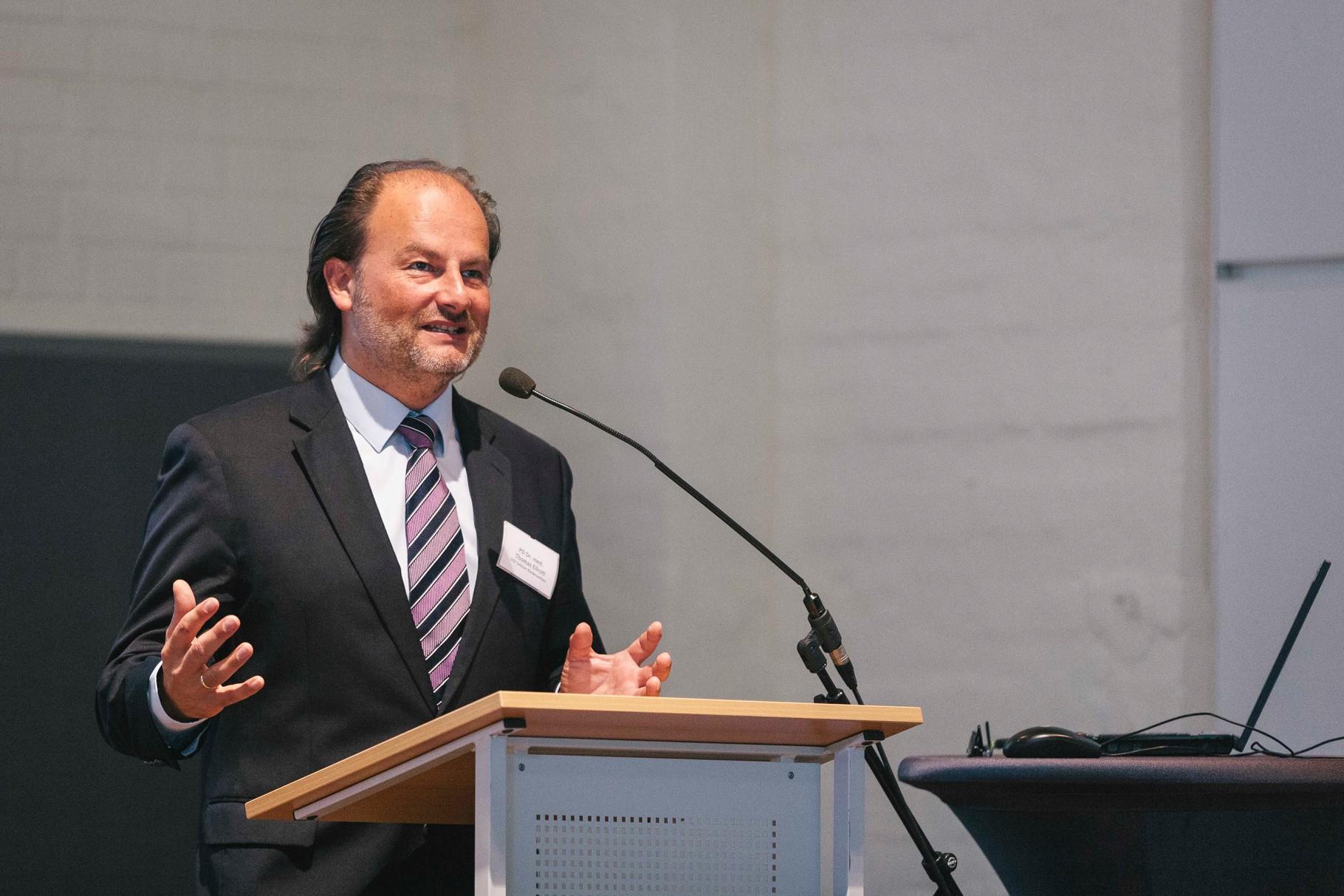 PD Dr. med Thomas Ellrott, Sektionsleiter Deutsche Gesellschaft für Ernährung e. V.