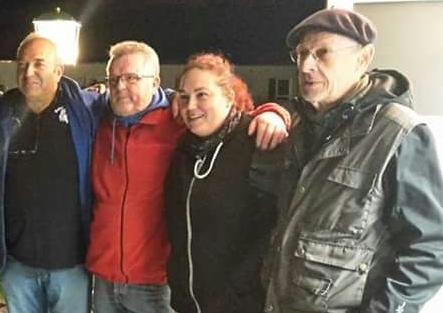 Ausrichter und Babas-Chef Emin, die Busch-Bouler Klaus und Dani sowie Wolf Prinzler bei der Siegerehrung