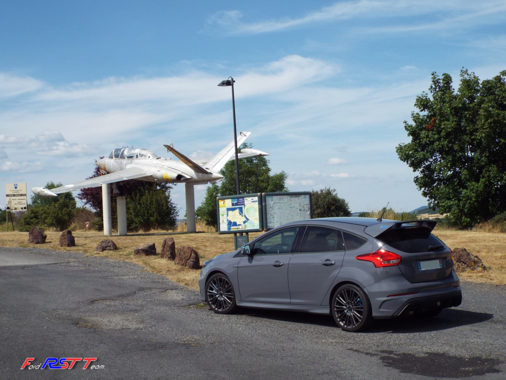 """Fouga Magister vs Ford RS magistrale"""