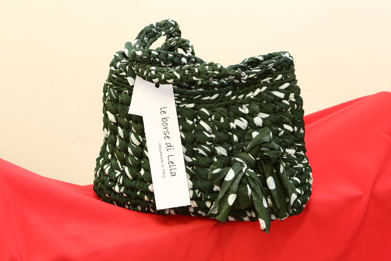 mod. 136 - lycra - verde sottobosco/pois bianco - peso gr. 560 - EURO 45,00