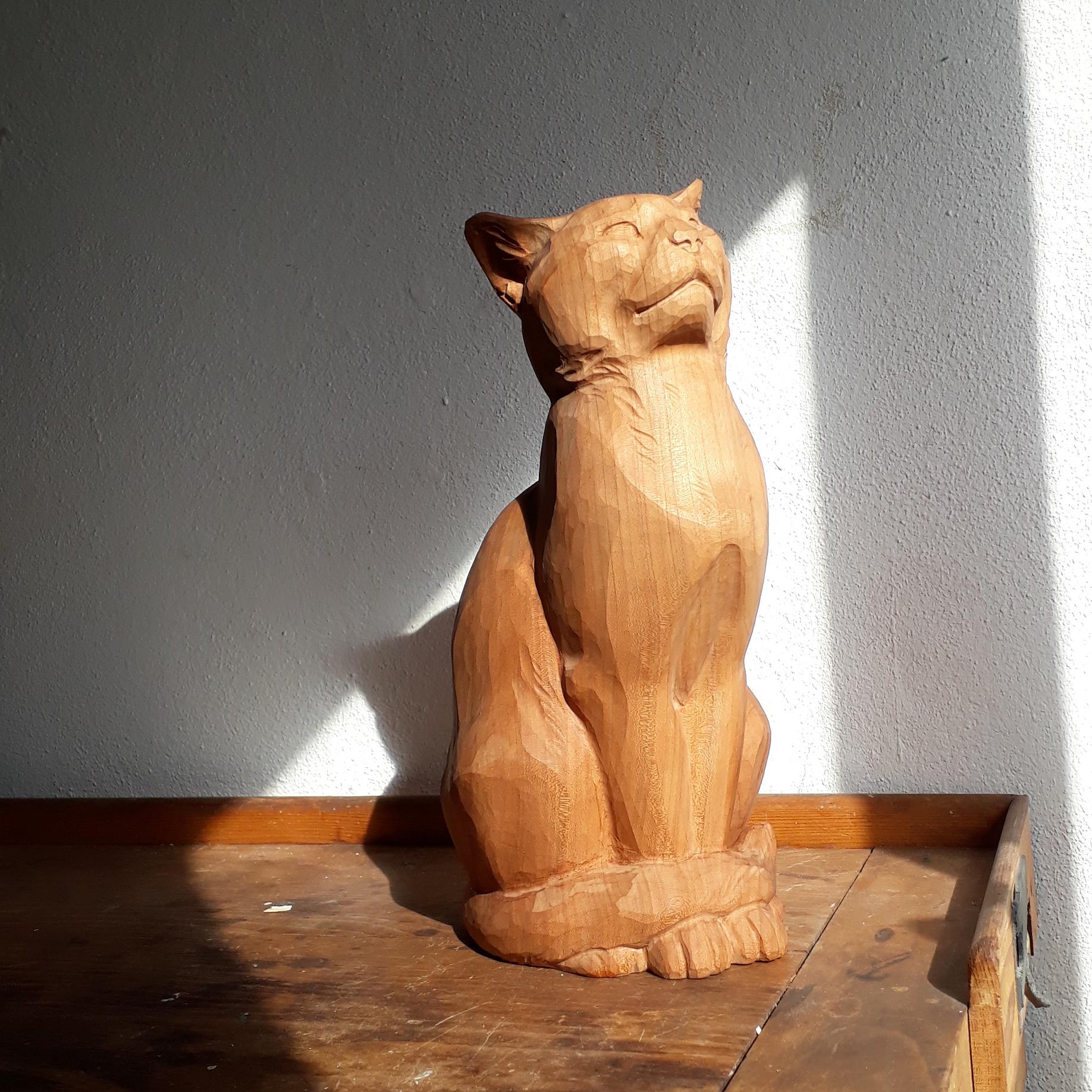 Huggler Klassiker Katze lebensgross in Kirschbaum