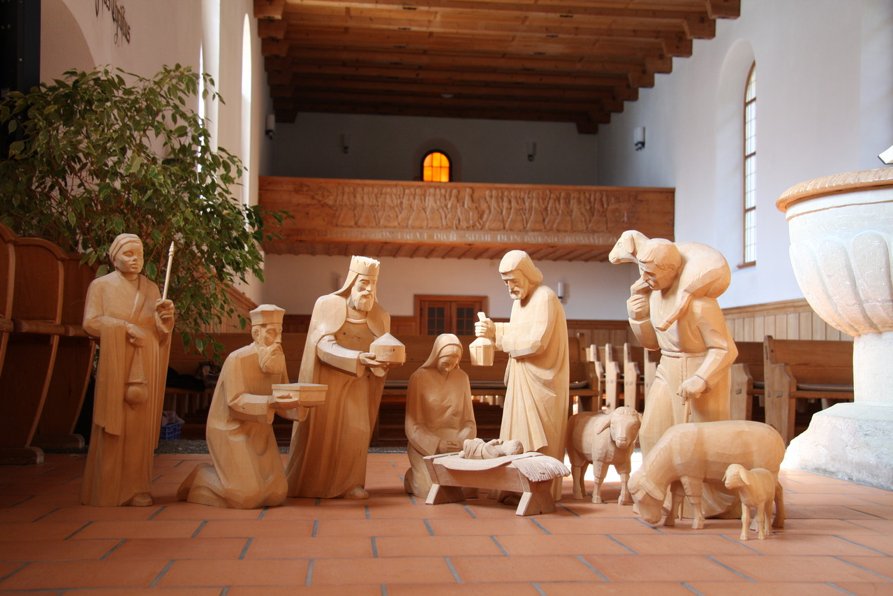 "krippenfiguren ""navidad"" - ausgestellt in der kirche brienz"