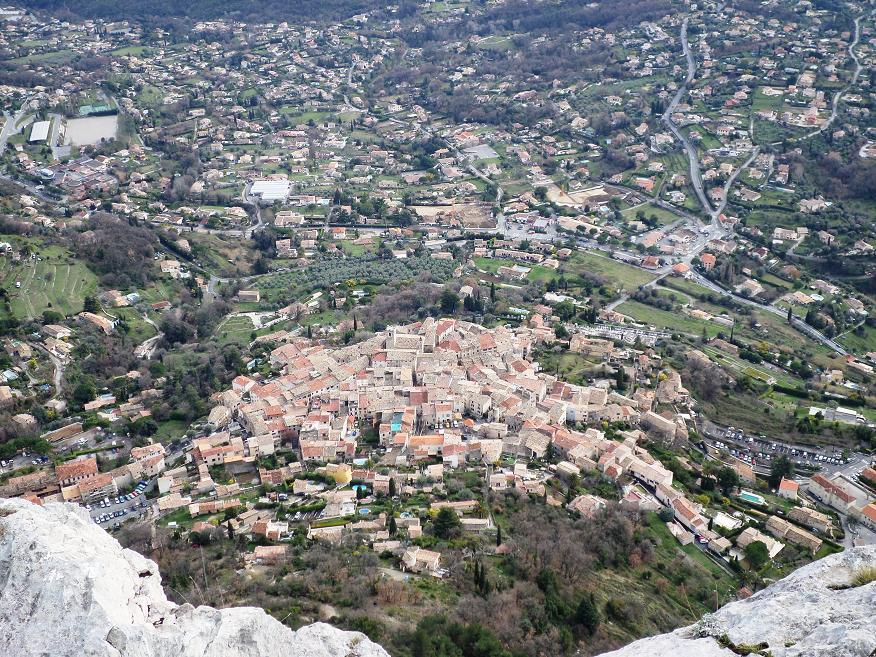 Le village de St Jeannet vu du haut du Baou