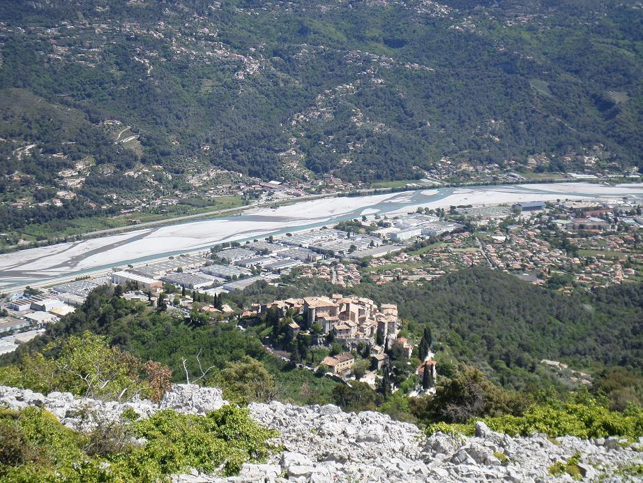 Le village de Carros