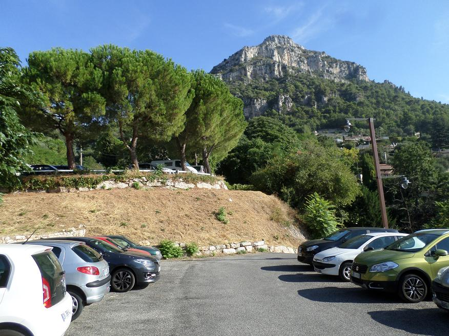 Le Baou de la Gaude visible du parking.