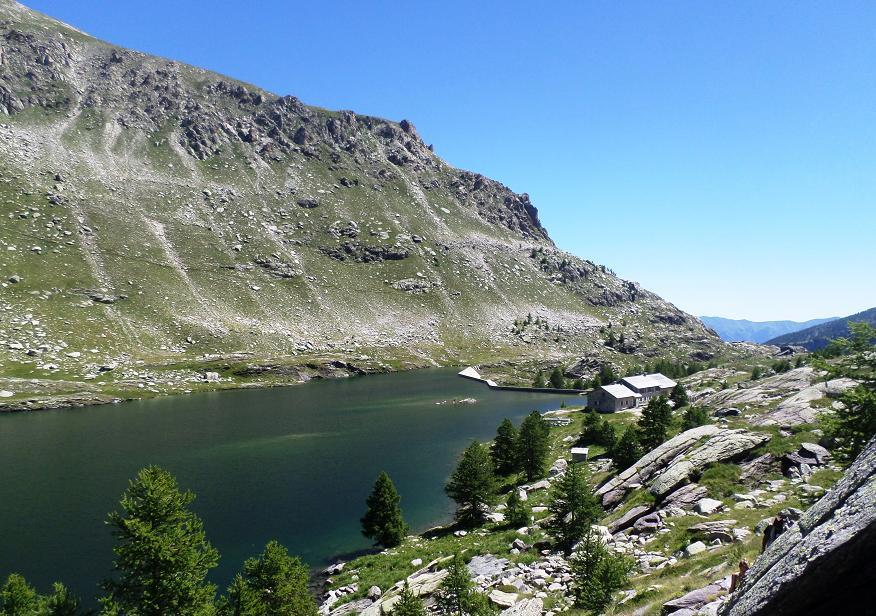 Le lac Long Supérieur avec le refuge au fond