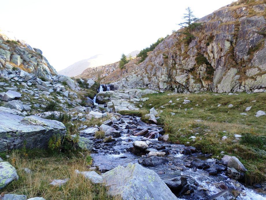 Petit ruisseau qui se traverse facilement