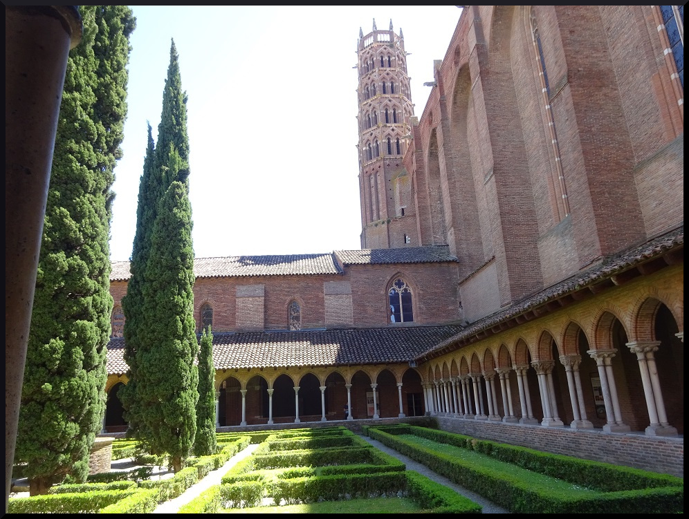 Le cloître du couvent des Jacobins