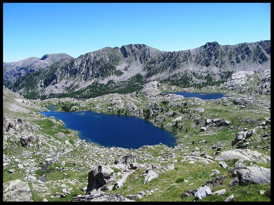 Le lac Long et le lac Fourca derrière