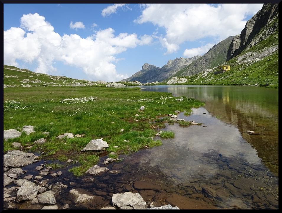 Lago della Vacca, en Italie de l'autre côté du col du Sabion