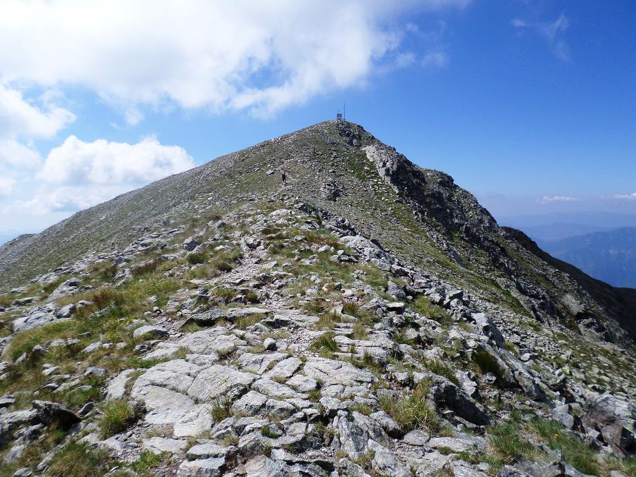 Derniers efforts avant d'arriver sur le mont Pépoiri où l'on est récompensé par la vue.