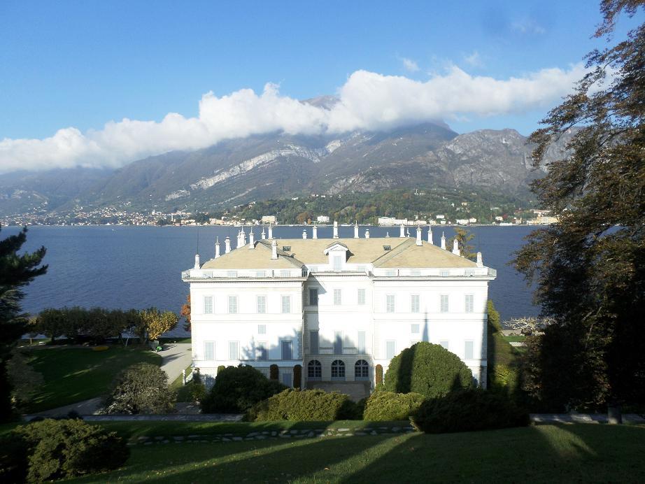 La Villa Melzi vue du haut des jardins