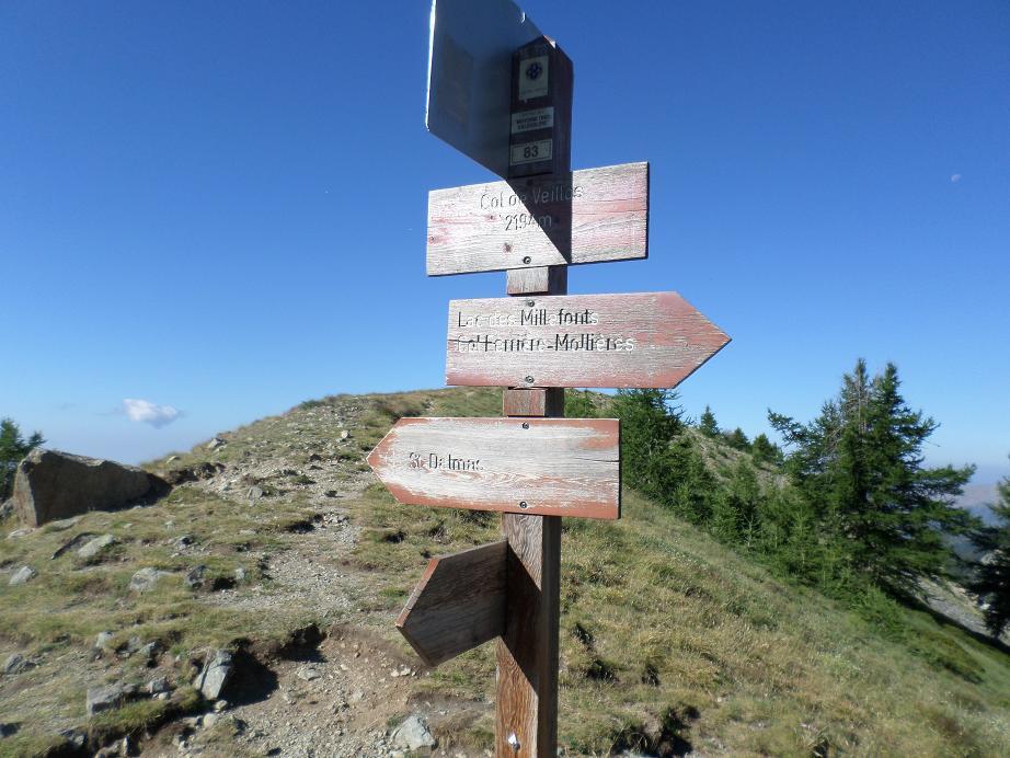 La balise 83 au col de Veillos, 2194 m