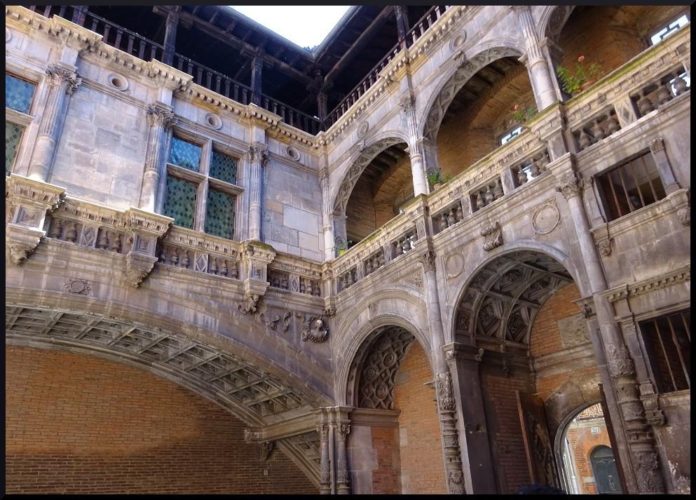 La cour Renaissance de l'Hôtel de Bernuy