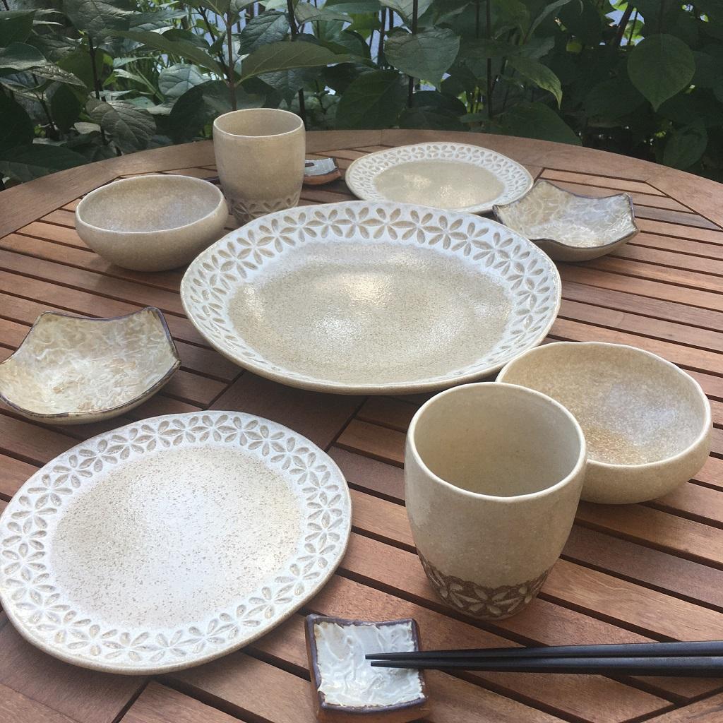 レースの大皿&レースの取皿&レースのカップ&和紙柄の星形小皿<茶>&無地のボウル&四角い箸置き