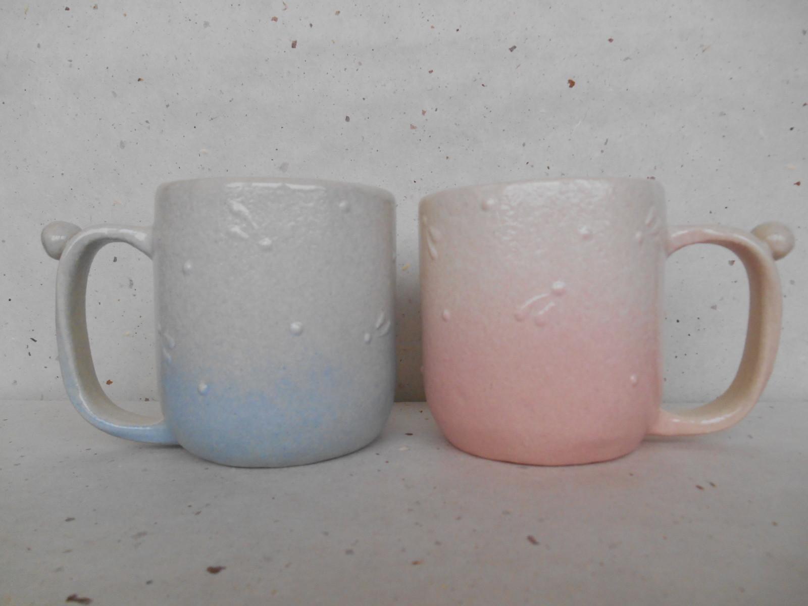 ビックリ・シリーズのマグカップ。大き目サイズでたっぷり入る。