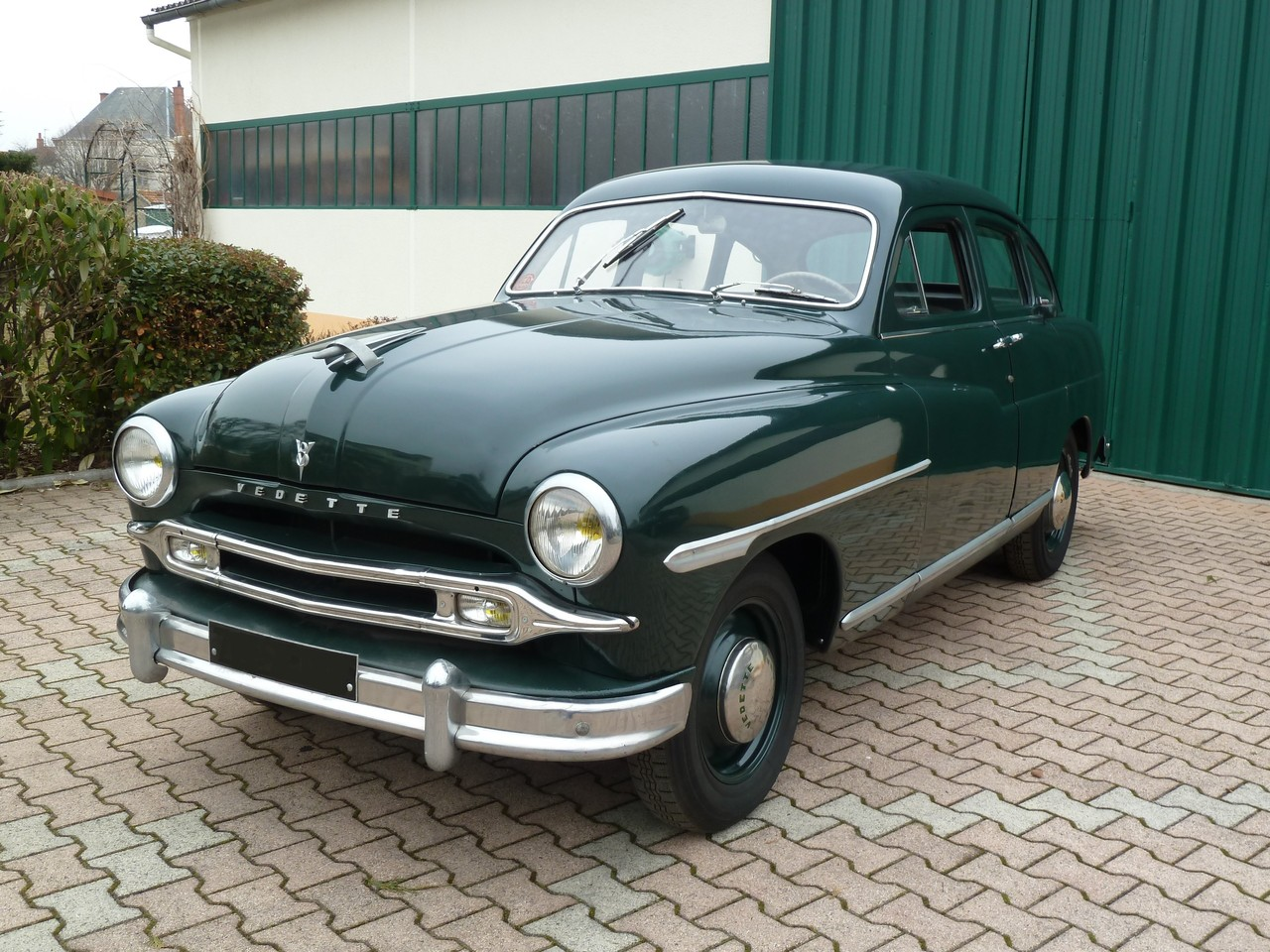 FORD VEDETTE    1953