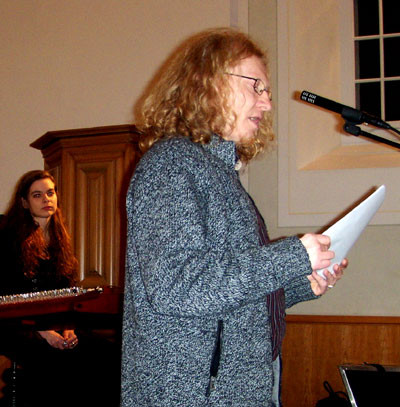 Vlado Franjević is reading his poetry