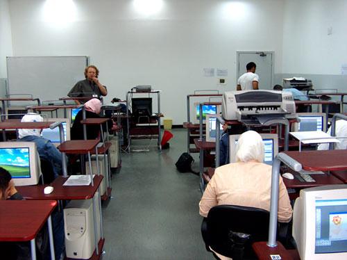 Vlado leads a workshop