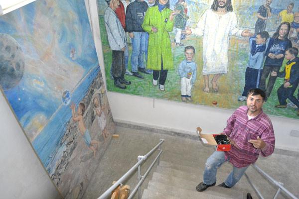 Franjo u njegovoj galeriji u Bojani