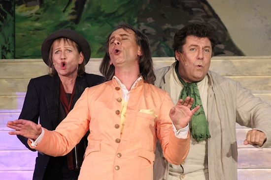 Quelle: http://www.festspiele.hanau.de/imp/082808/index.html