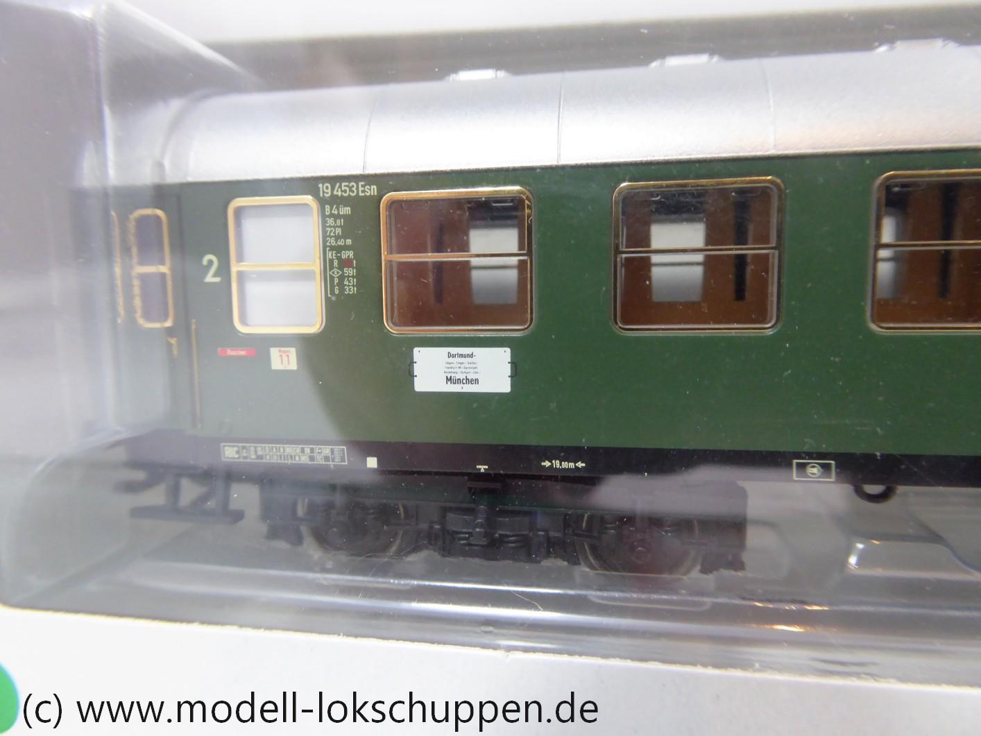 Trix 23401 (Märklin 43920) Schnellzugwagen 2. Klasse DB B4üm-63