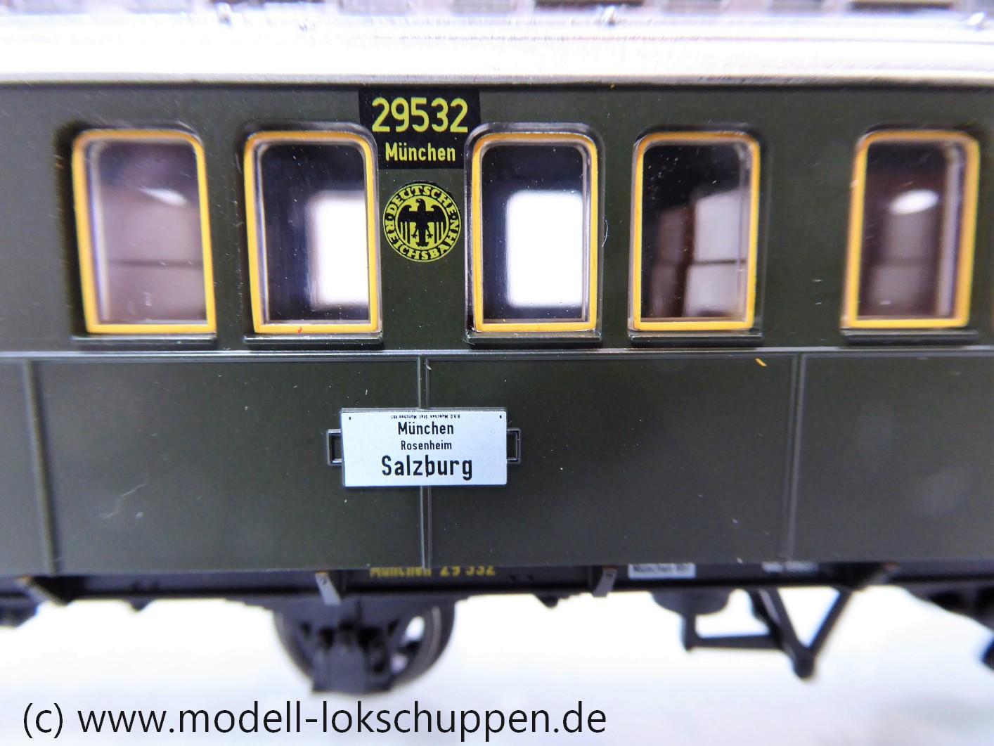 TRIX 23325  DRG II C3ü bay  Schnellzugwagen  3. Klasse