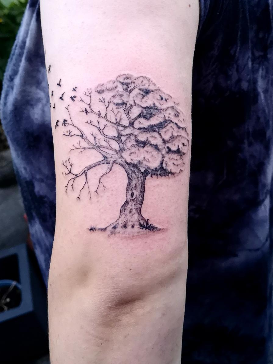 Baum über dem Ellenbogen...