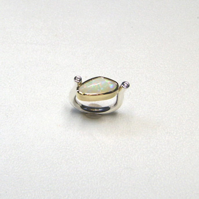 Ring mit Opal, Brillanten, Gold 750