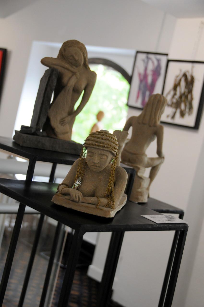 3 de mes sculptures en terre cuite
