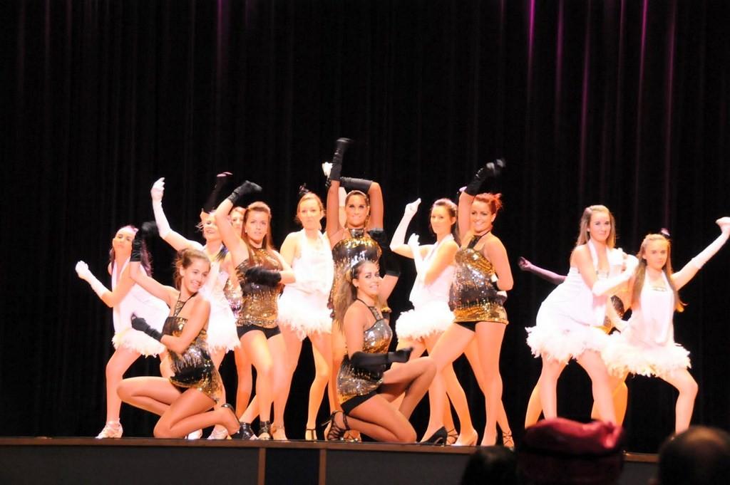 autre groupe de danseurs