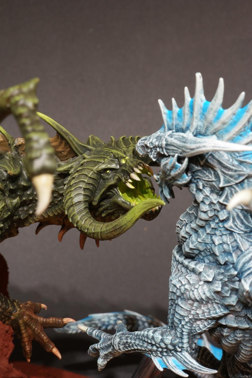 Corrupted Dragon vs Frostdragon
