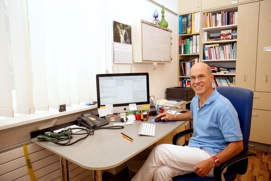 Sprechzimmer Dr. Rudolf Stauffer