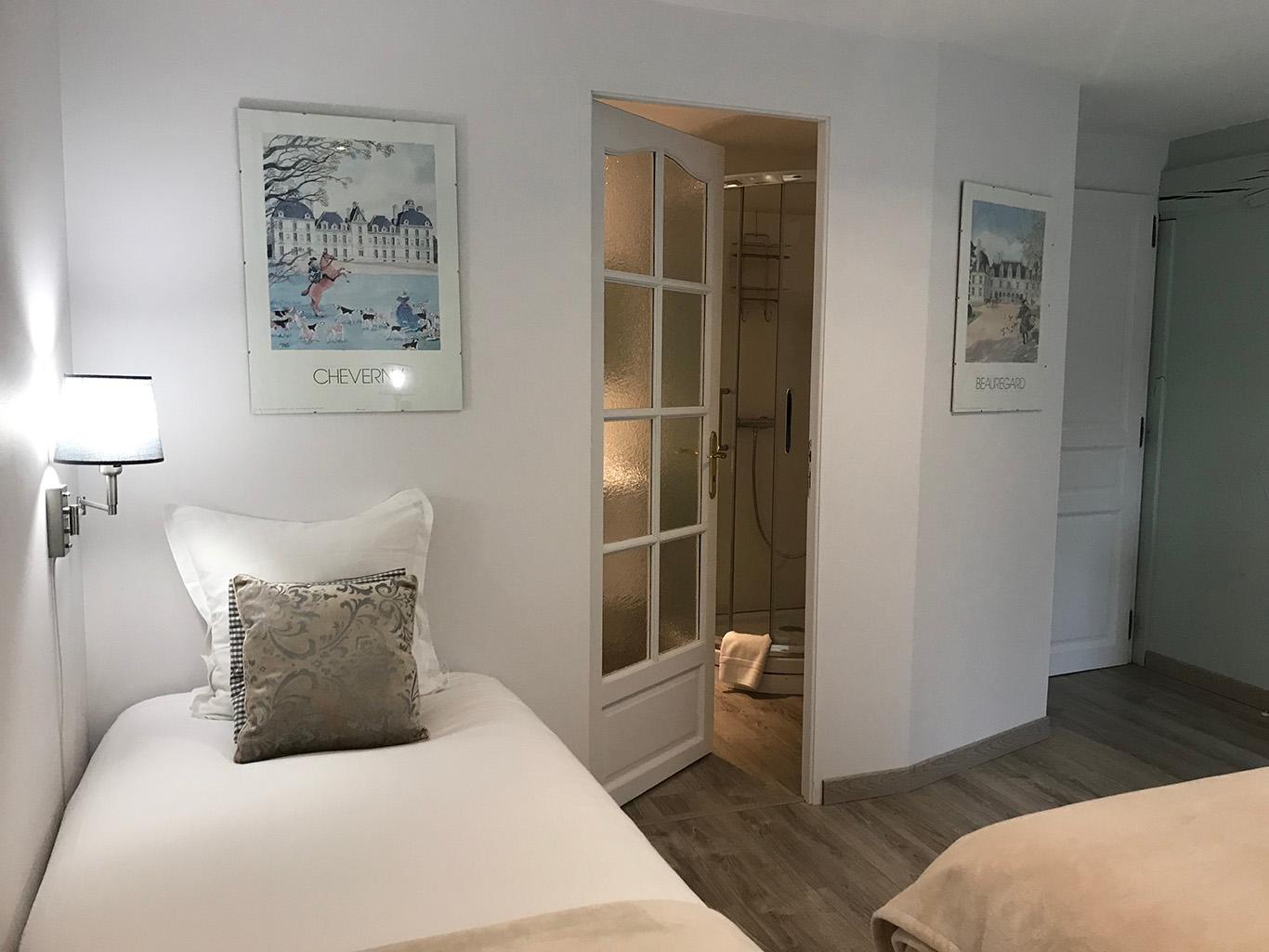 Un style cottage aux tons blanc, gris, taupe